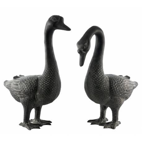 Oies Statue Sculpture Représentation Couple Oiseaux en Fonte Patinée Grise 17x36x50cm