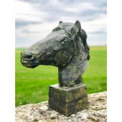 Grande Statue de Cheval Tête ou Buste de Cheval Tête de Pilastre ou Colonne en Fonte Verte 20x56x59cm